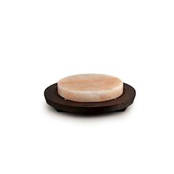 Piastra in sale rosa rotonda con base in legno wengè 20x3cm