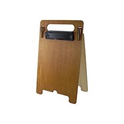 Porta menù A4 a cavalletto con doppia clip in legno