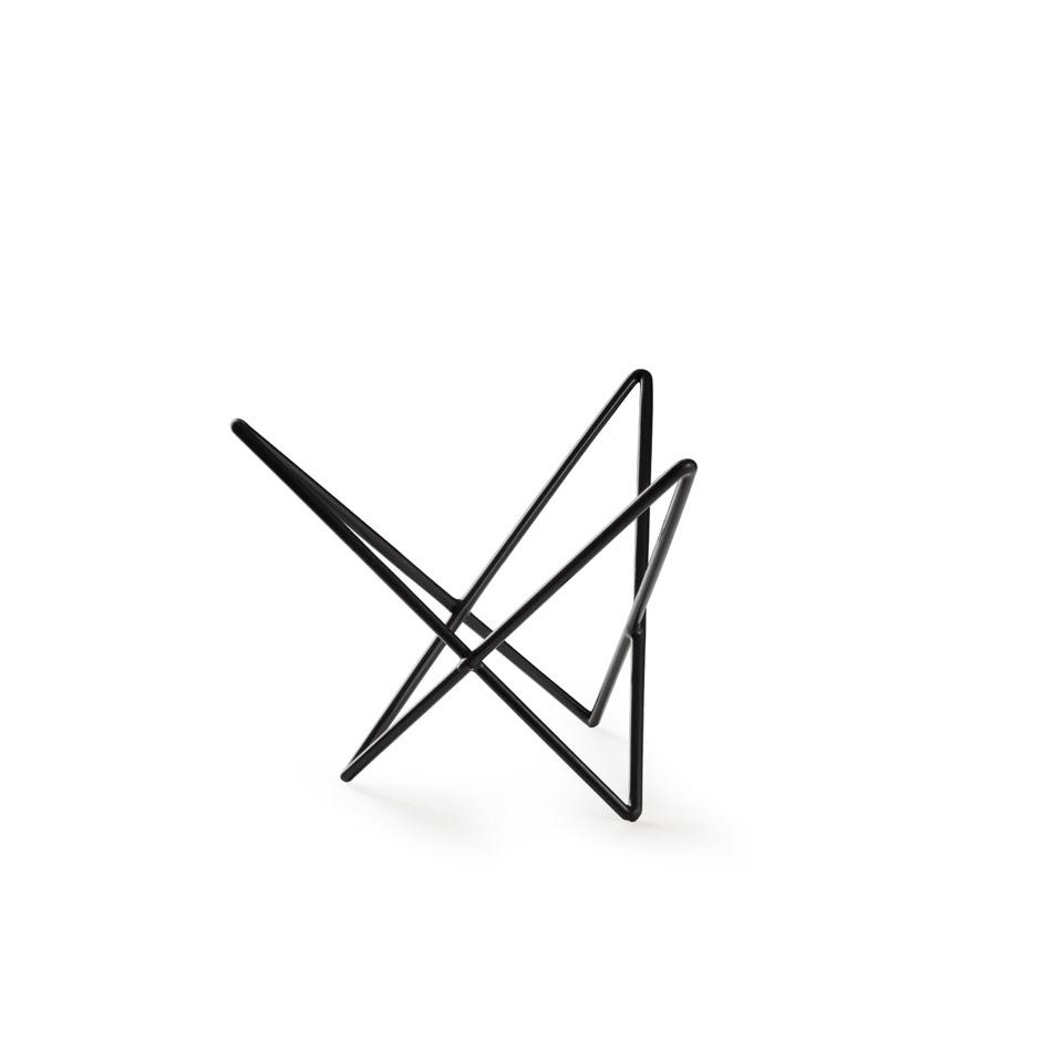 Alzata buffet triangolare astratta Hendi in acciaio e gomma antiscivolo nera