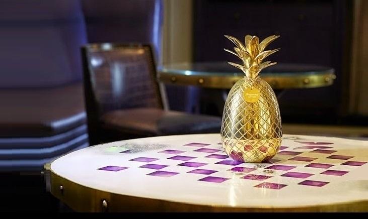bicchiere ananas simone caporale alex kratena